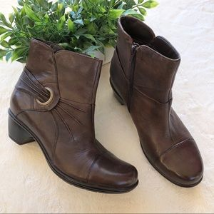 Clark's bendables Demi brown leather boots 39161